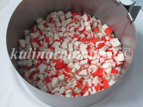 салат с крабовыми палочками вкусный