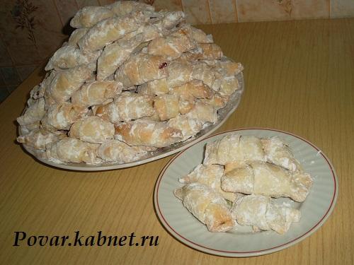 Печенье пальчики с вишней