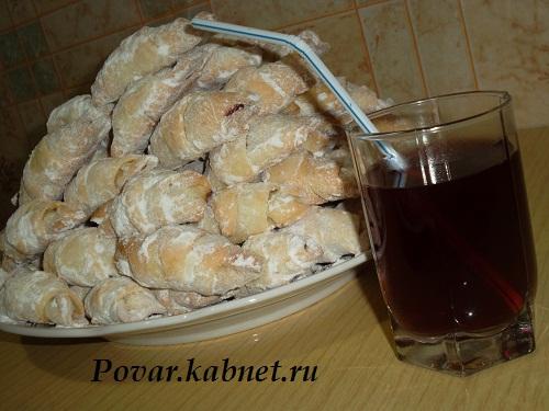 Домашнее печенье с вишней