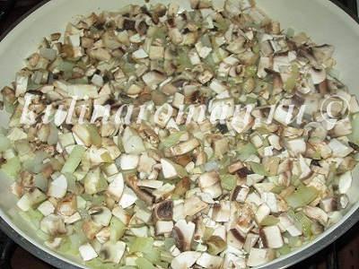 жарим грибы для картофельных котлет