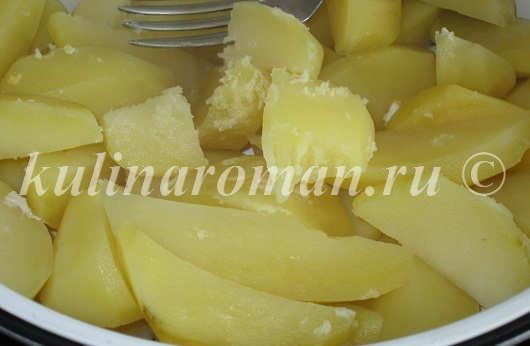картошка, приготовленная на пару в мультиварке