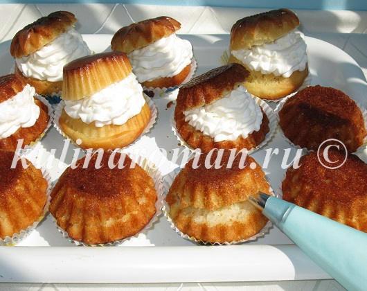 пирожные со взбитыми сливками
