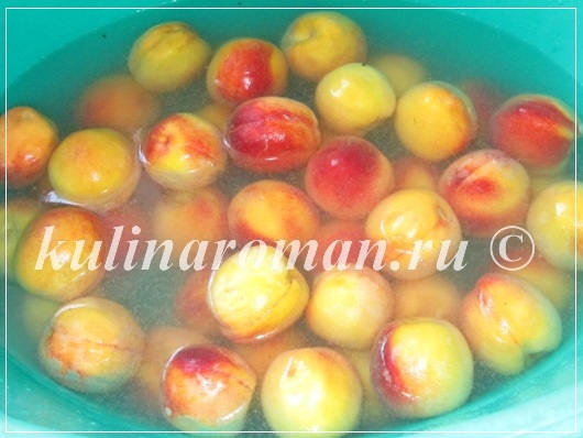 моем персики в содовом растворе