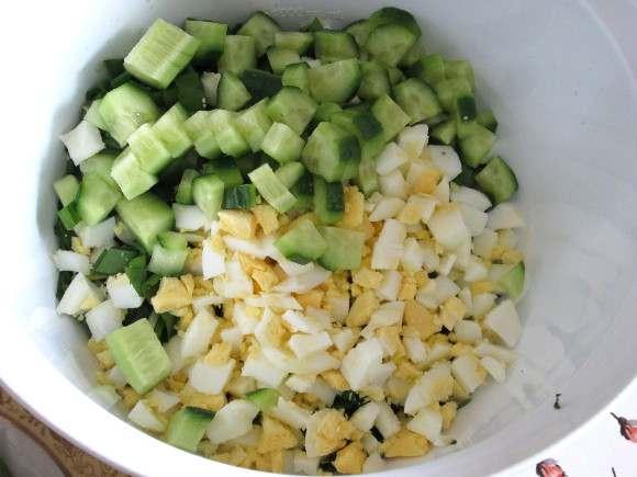 салат с огурцом и яйцом