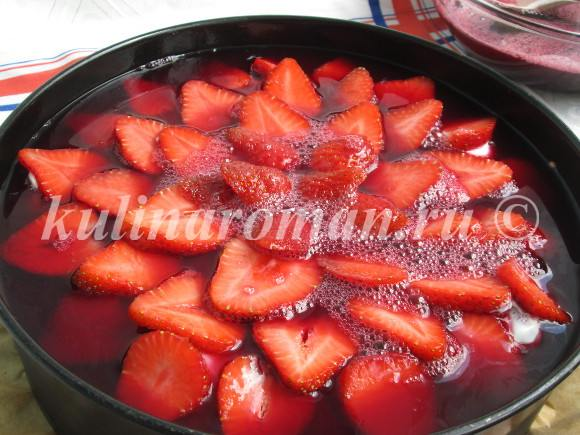 клубничный торт с вишнёвым желе