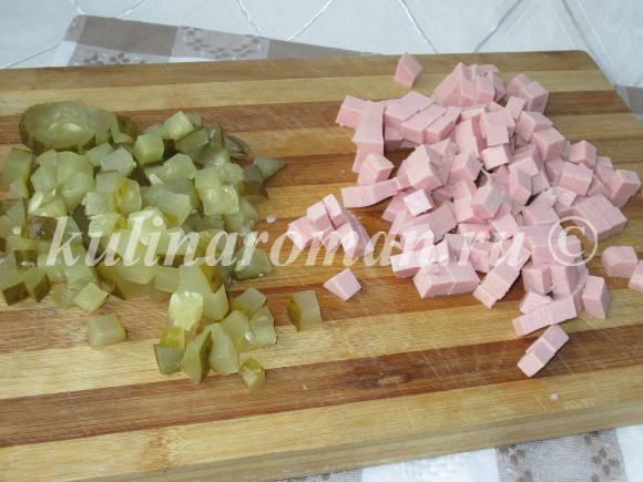 оливье с маринованными огурцами