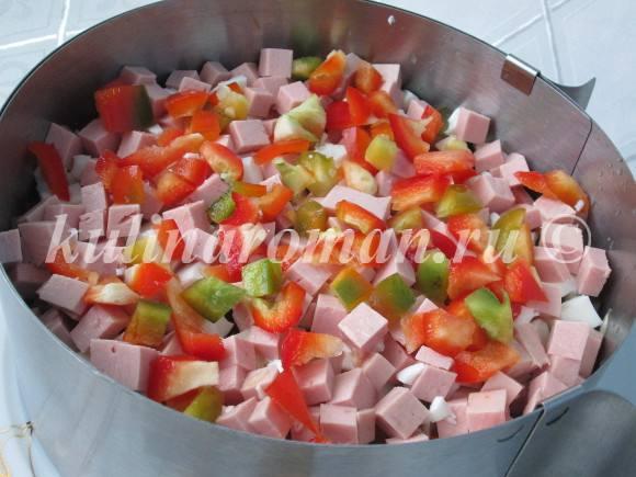 салат с колбасой на новый год