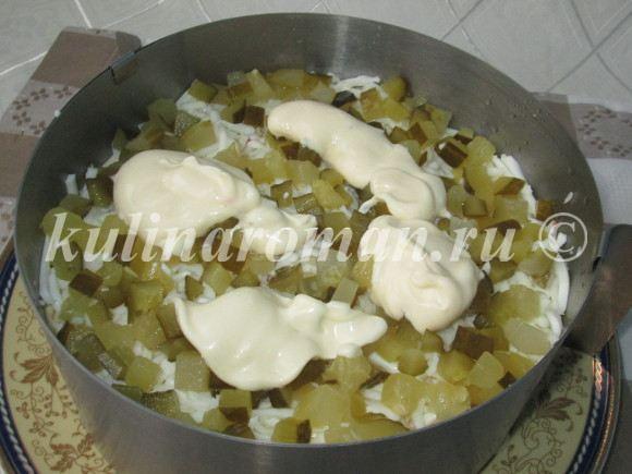 вкусный салат с консервированной горбушей