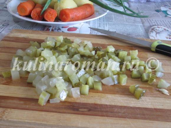 салат с маринованными огурцами