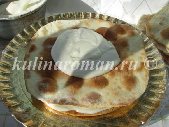 медовый торт с коржами наполеон