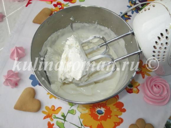 добавляем творожный сыр