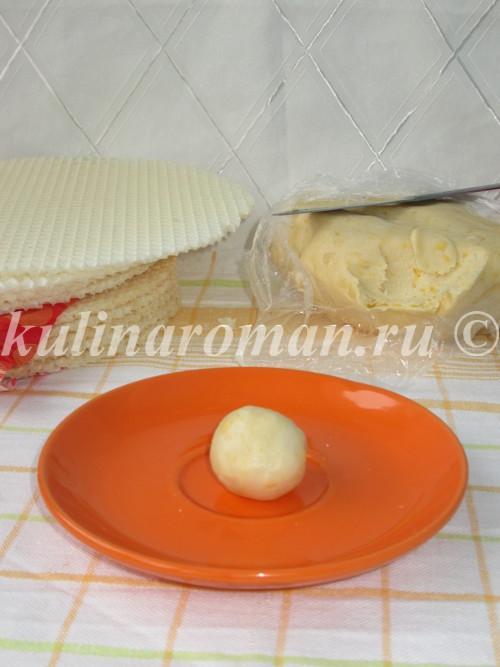 скатываем тесто в шарик