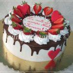 торт с ягодами и шоколадом