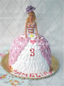 торт кукла из крема
