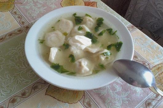 Суп с пельменями в пельменнице