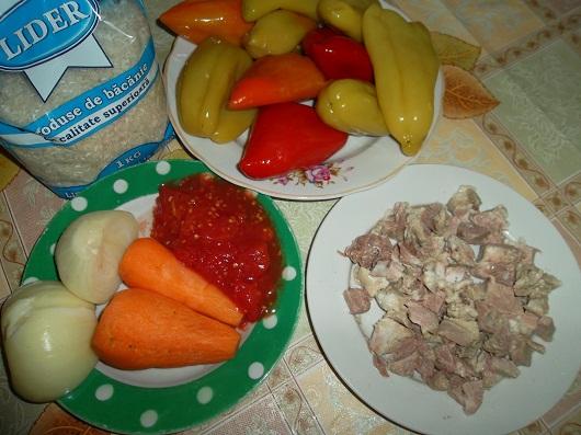 Болгарский перец фаршированный мясом и рисом