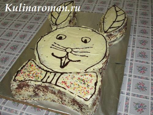 праздничный торт из мраморного бисквита