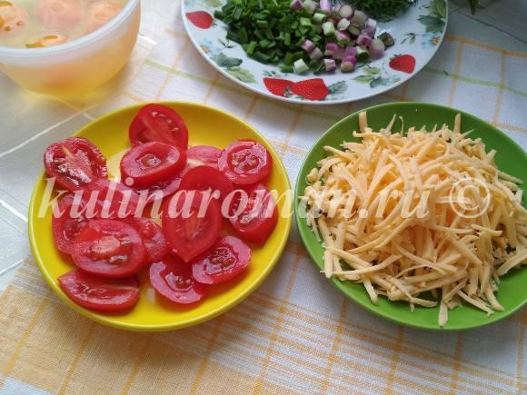 яичница на сковороде с сыром