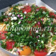 яичница с лавашем с помидорами и зеленью
