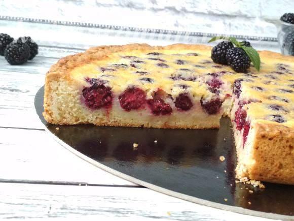 ягодный пирог со сметаной