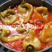 болгарский перец в томатной подливе