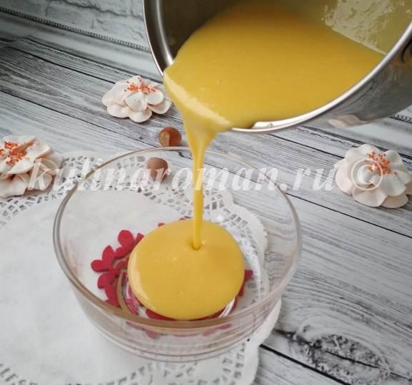 яичный сироп вылить в миску