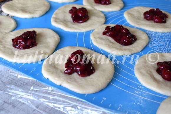 пирожки с вишней рецепт