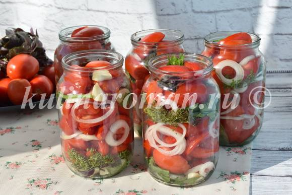 вкусные помидоры с луком на зиму