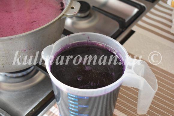 жмых от винограда процеживаем