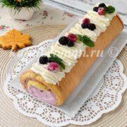 вкусный праздничный бисквитный рулет