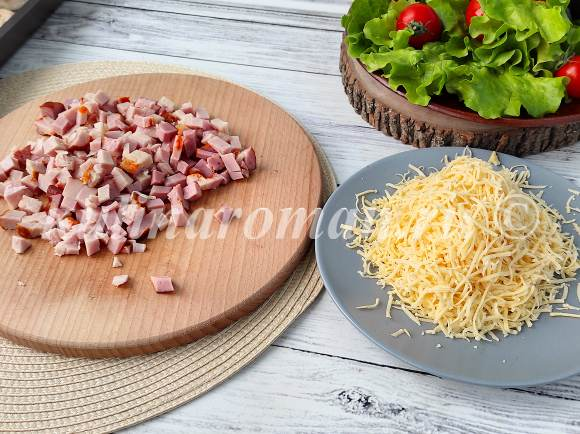шампиньоны в духовке с мясом и сыром